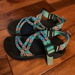 Chaco Girls size 2  GREAT SHAPE!!